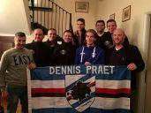 I componenti del Dennis Praet fan club on tour insieme al loro idolo.