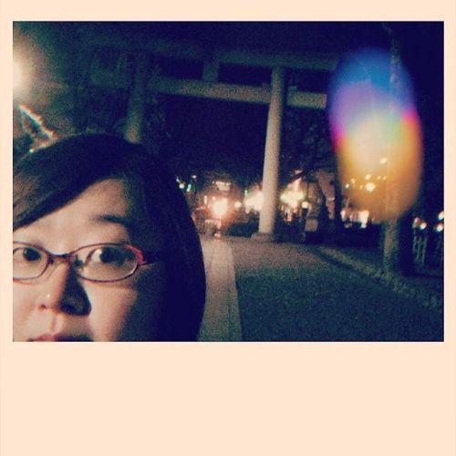 【Instagram】夜の大国魂神社の鳥居裏笑#スマホで撮影 #スマホ撮影