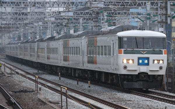 185 series still run as limited express train Odoriko. This fleet is used for rapid Moonlight Nagara too.