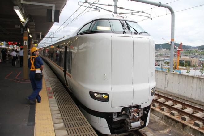 This 287 series is newer fleet for Limited Express Kounotori. (C) Jonathan Ayre