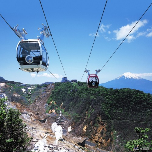 Hakone Ropeway is one of the best way to see the mountains surrounding Hakone.  ©Odakyu Electric Railway/©JNTO