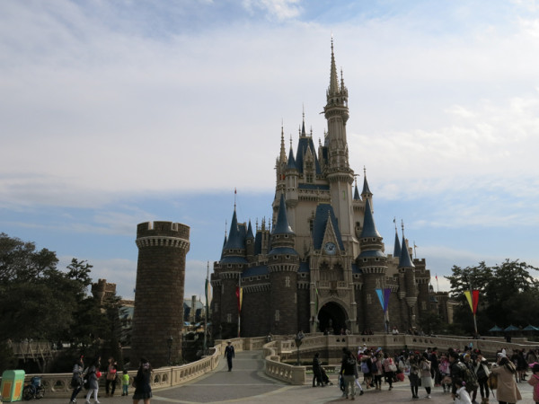 Cinderella's castle is the icon of Disneyland.