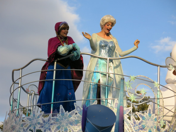 When we visited, special event Anna and Elsa Frozen Fantasy was held.