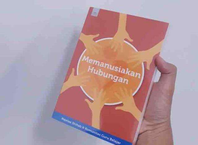 Cover Buku Memanusiakan Hubungan