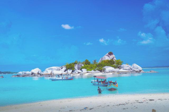 Rekomendasi 5 Pantai di Banten untuk Liburan Akhir Pekan ...