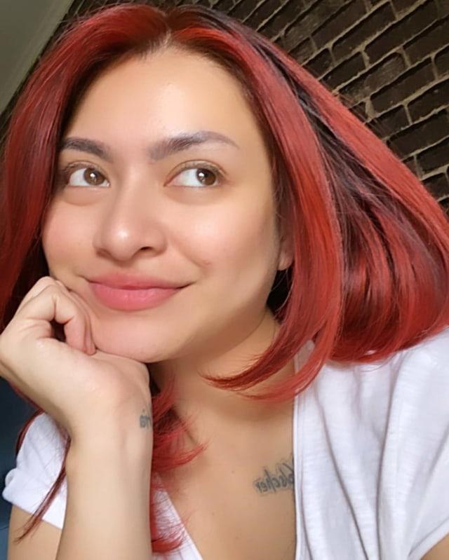 Cara Menghilangkan Tanda Hitam Di Dahi : menghilangkan, tanda, hitam, Unggah, Potret, Berhijab,, Nathalie, Holscher, Hapus, Foto-foto, Seksi, Instagram, Kumparan.com
