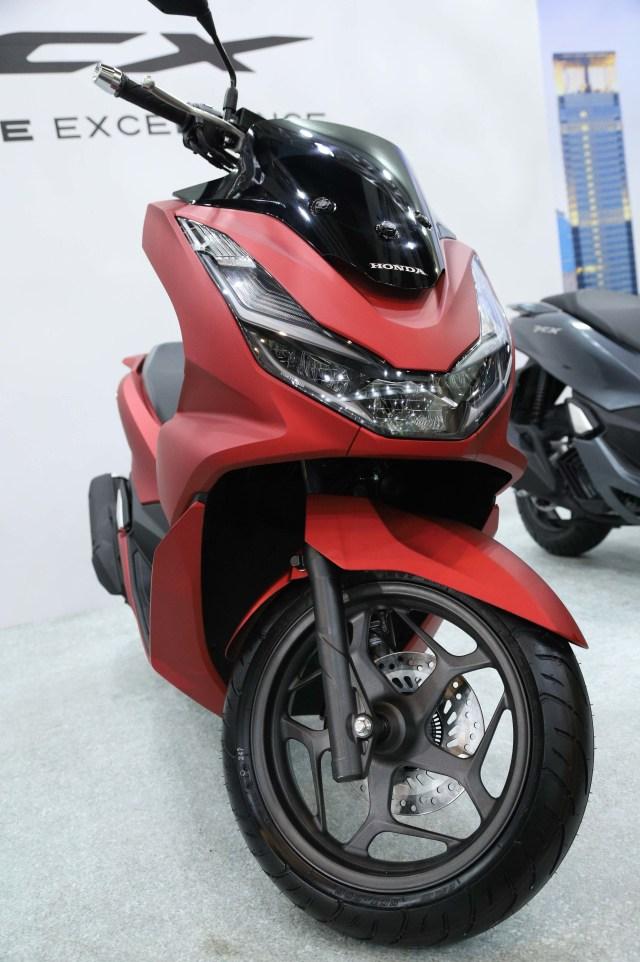 Perbedaan Pcx Abs Dan Cbs : perbedaan, Ribu,, Pilih, Honda, Yamaha, Kumparan.com