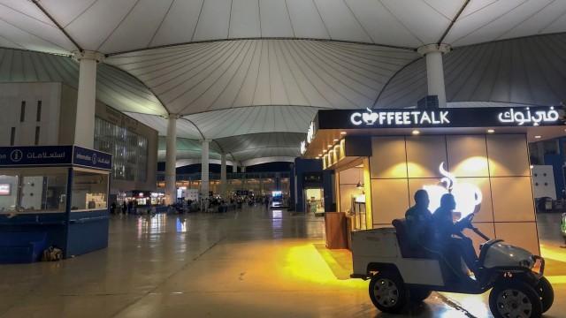 Foto Suasana Bandara King Abdul Aziz Arab Saudi