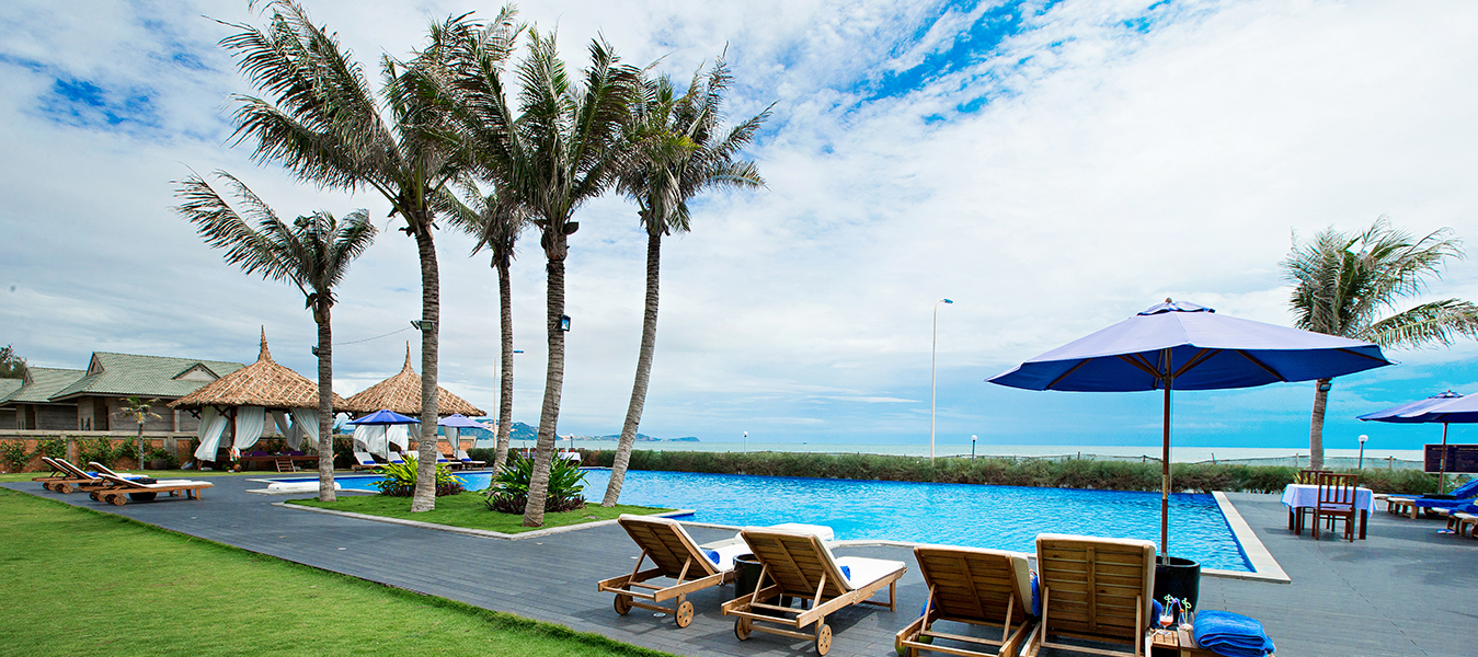 blue-bay-mui-ne-resort-spa-pool-ocean-view-4-1