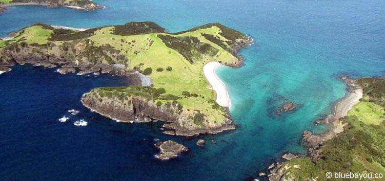 Bay of Islands in Neuseeland vom Helikopter aus.