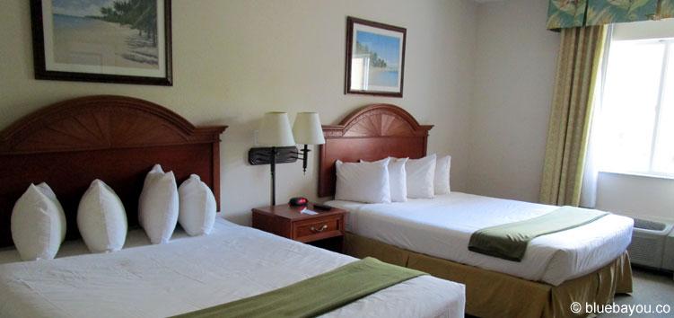 Freie Bettenwahl: Wer alleine reist und in Hotels wohnt, hat den gesamten Platz für sich.