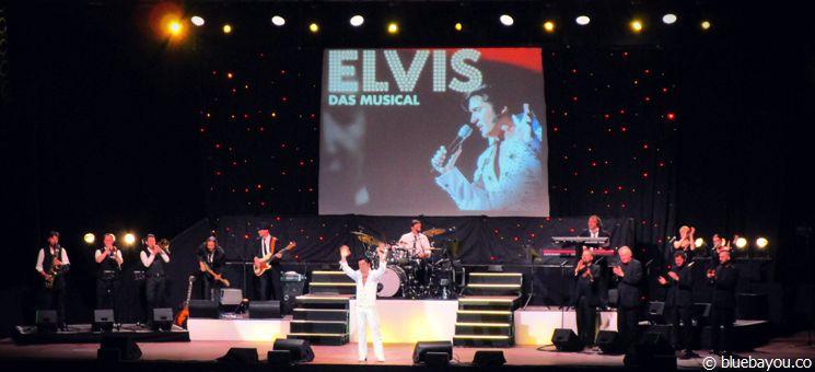 """Grahame Patrick verabschiedet sich bei """"Elvis - Das Musical"""" von den Zuschauern."""