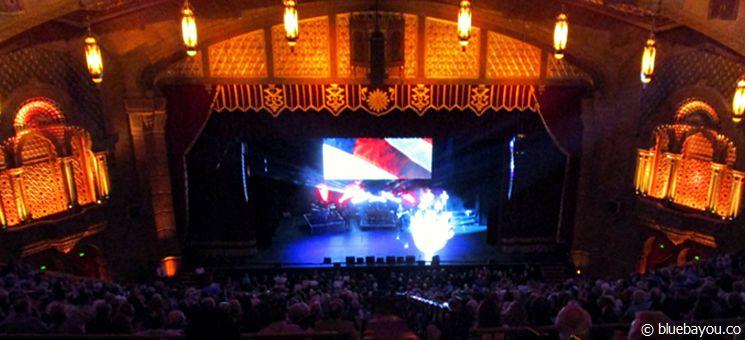 Das Fox Theatre in Atlanta von innen während der ELVIS LIVES Show.