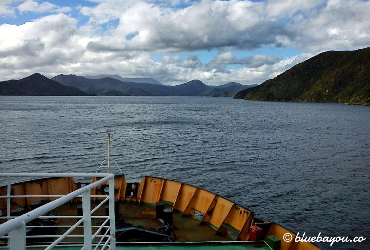 Fährfahrt in Neuseeland von der Südinsel zur Nordinsel auf der halben Weltreise.