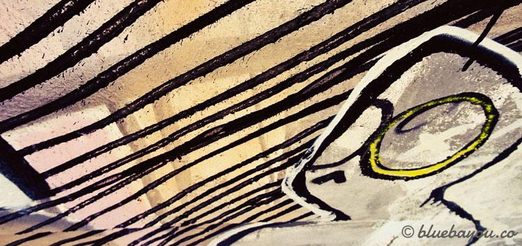 Kategorie Graffiti: Diese Figur starrt am Trierer Messepark ins Ungewisse.
