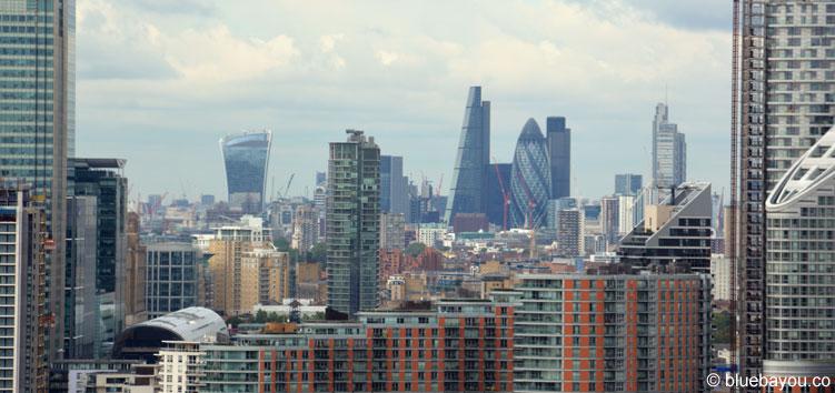 Ausblick von der Emirates Air Line auf London City.