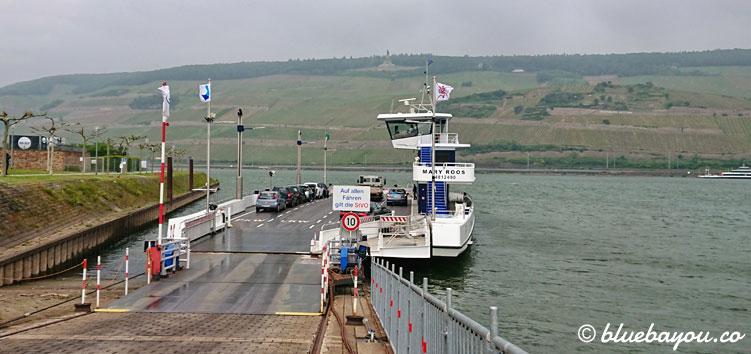 Nur dank Glück und einem Sprint erreiche ich noch die Fähre nach Rüdesheim.