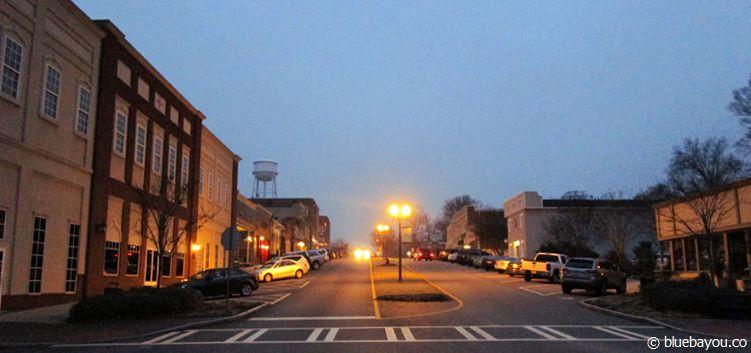 The Walking Dead Location in Senoia, Georgia: Diese Stadt war Drehort für die vom Governor geleitete Stadt Woodbury.