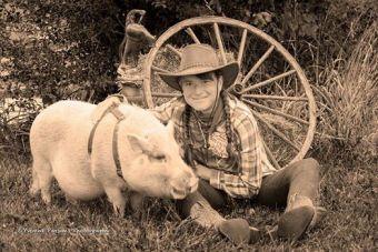 kat and pig