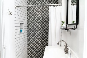 bathroom with a pattern
