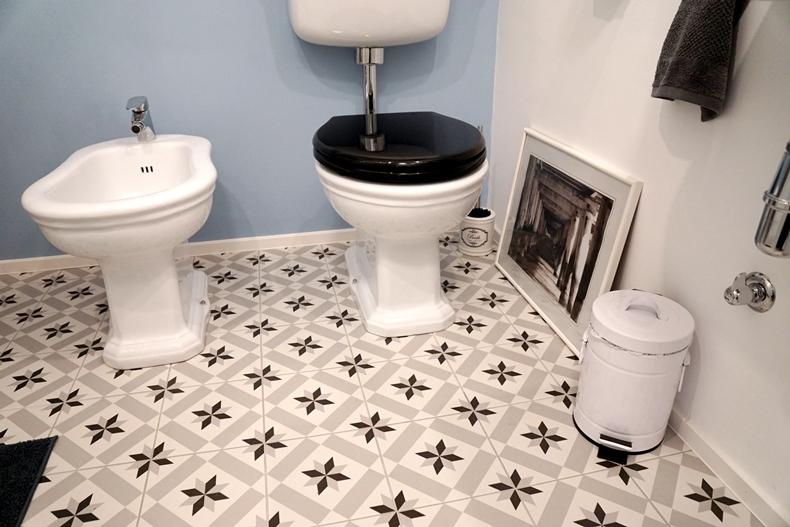 bathroom downstairs 6