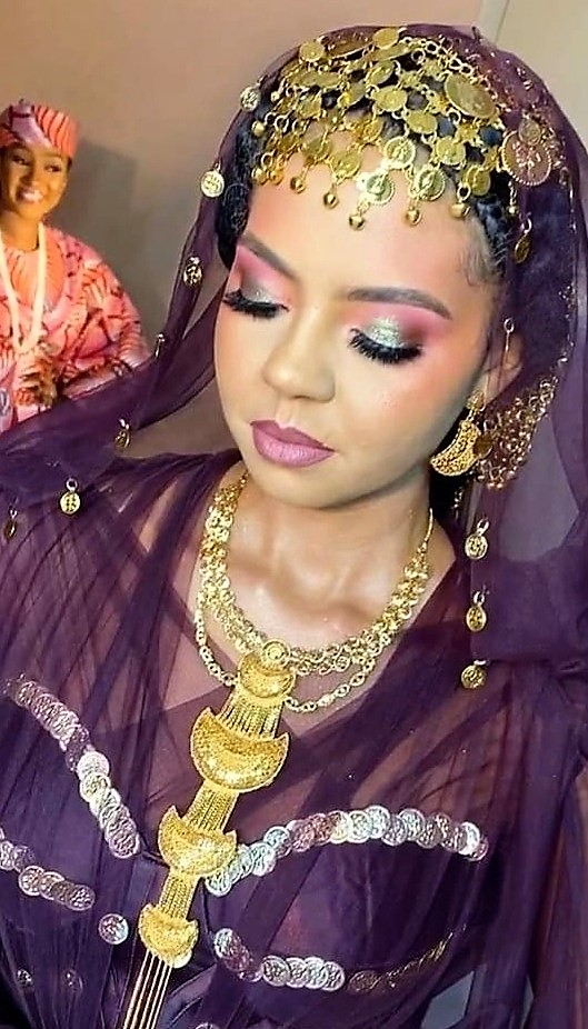 https://bluebloodz.com/index.php/2020/08/09/adama-indimi-weds-prince-malik-addo-ibrahim-{-photos-}/(opens in a new tab)