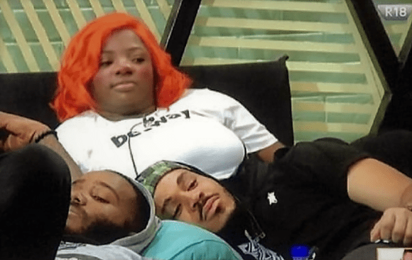 https://bluebloodz.com/index.php/2020/08/01/#bbnaija-:-dorathy-has-the-male-contestants-crawling-at-her-feet/(opens in a new tab)