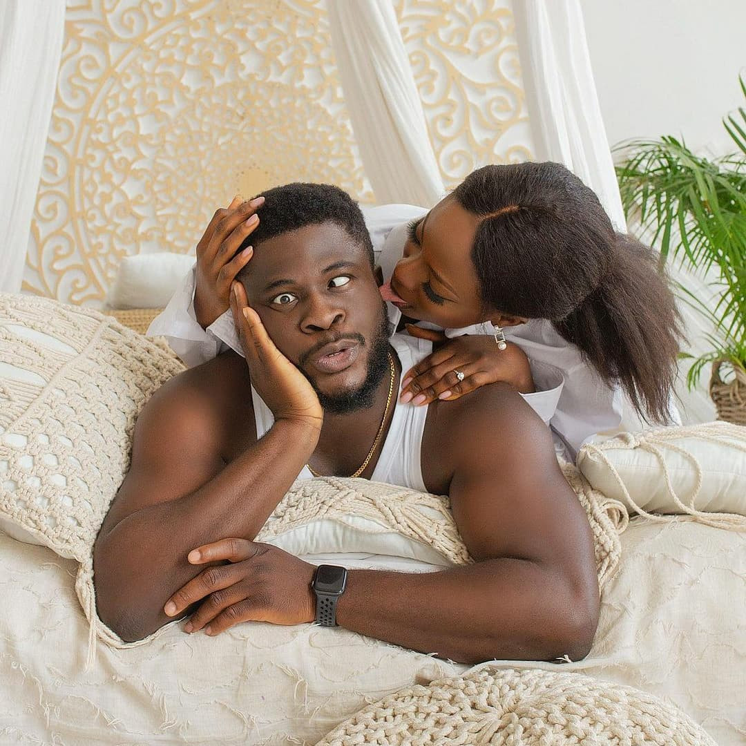 Crazeclown the Nigerian comedian known exclusively for his comedy skit brandished with thunderous slap sessions is set to wed. He made the announcement on IG.