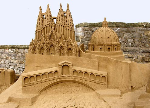 25 Really Cool Sand Sculptures