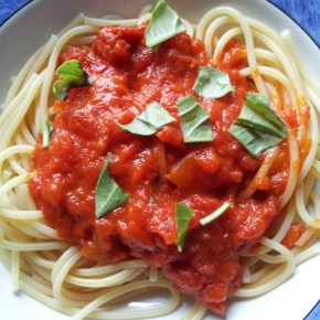Arguably The Best & Simplest Homemade Pasta Sauce