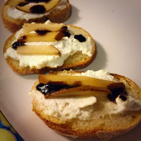 Tiny Toasts: Pear and Ricotta with Honey or Balsamic Glazes
