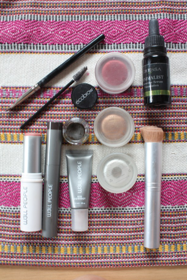 summer glowing non-toxic makeup from follain