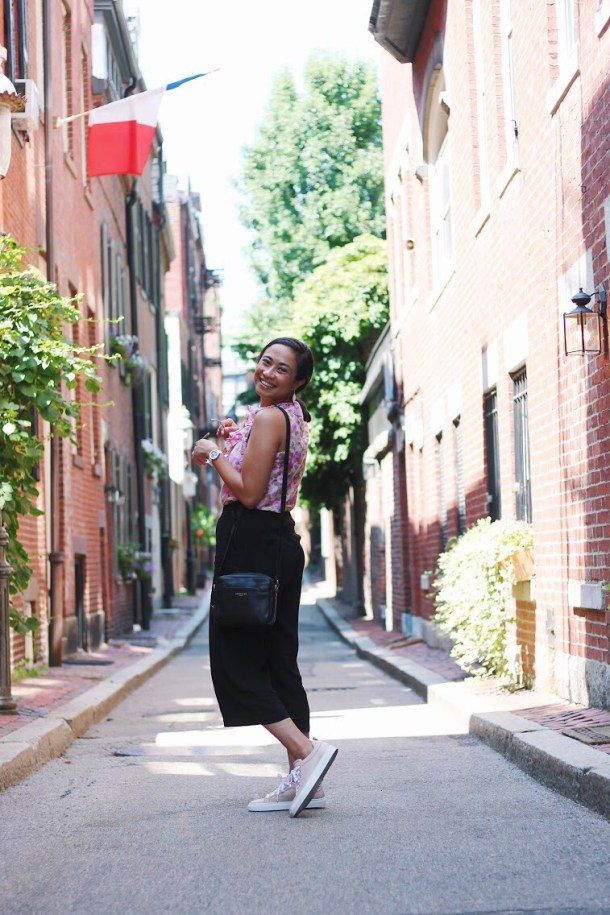 Boston Blogger BlueBootsGo in Beacon Hill - FT Longchamp & Brass Clothing & M.Gemi