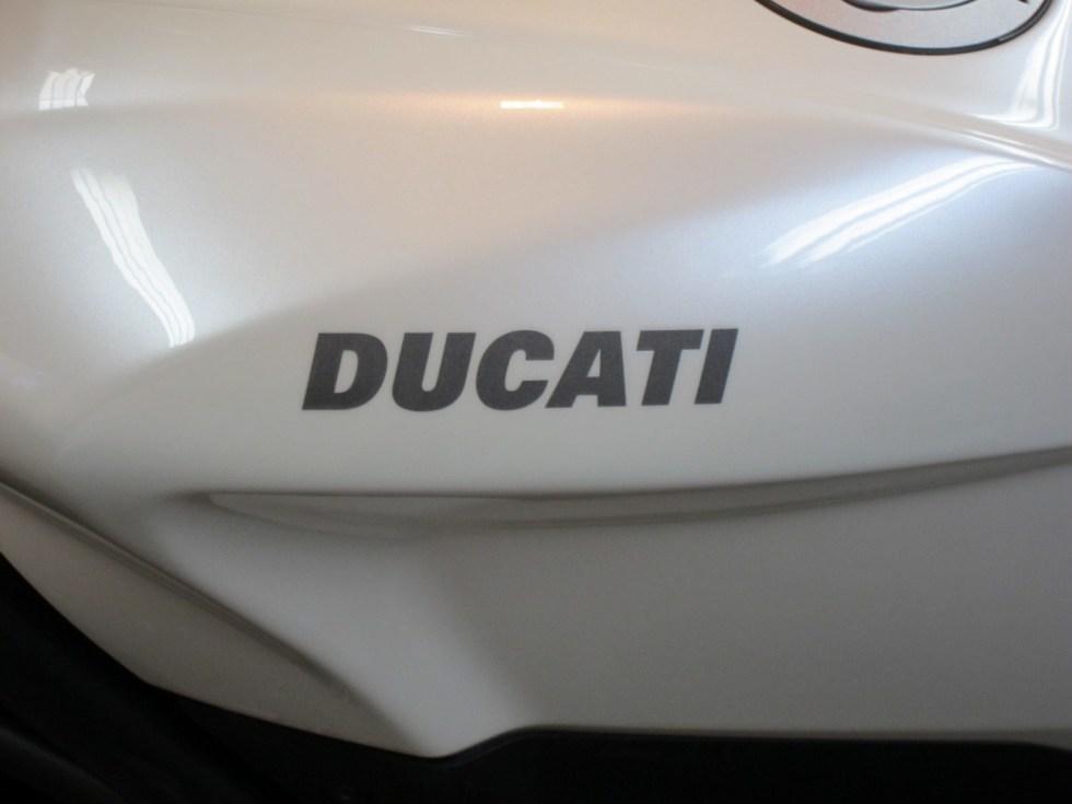 20130221-ducati-streetfighter-10