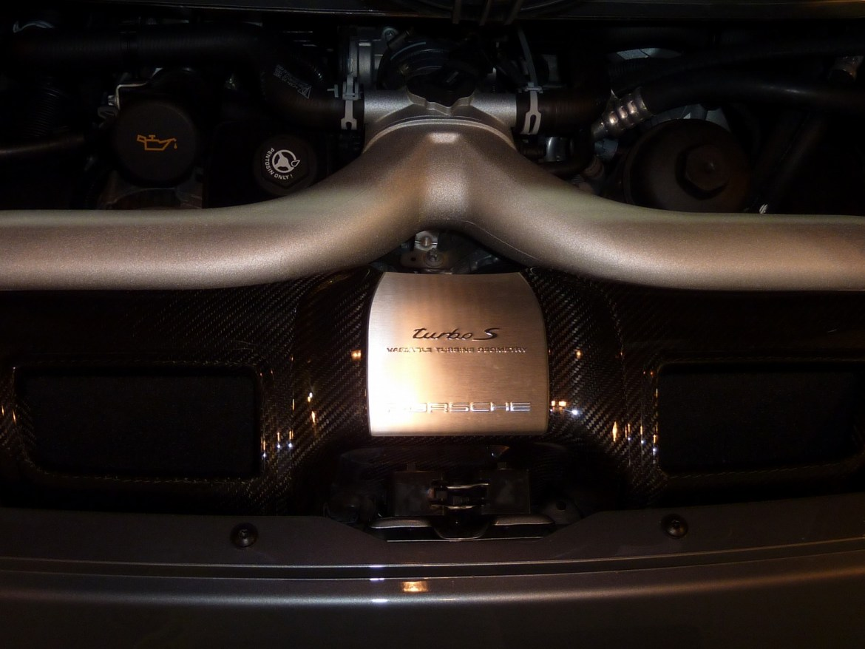 20140131-porsche-911-turbos-05