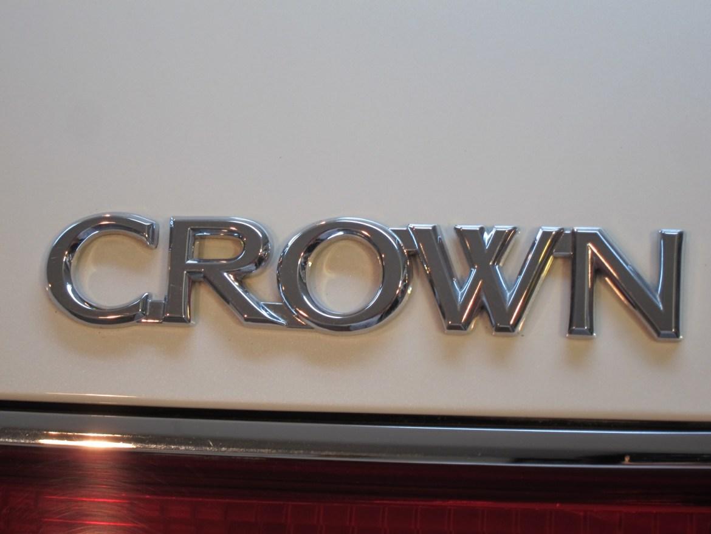 20141014-toyota-crown-04
