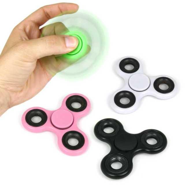 Fidget Spinner - grön, svart, vit, rosa Image