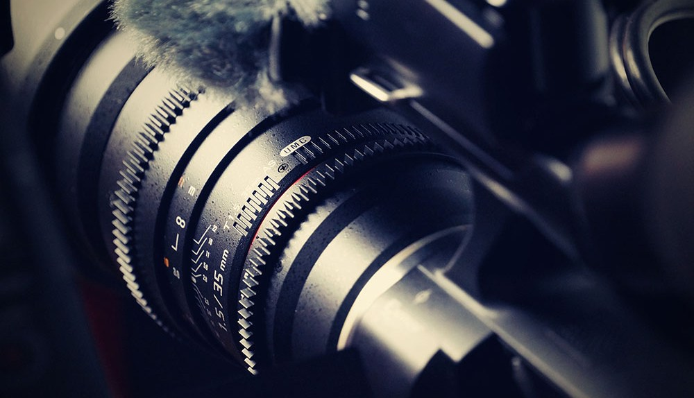 closeup of camera telephoto 35mm lens