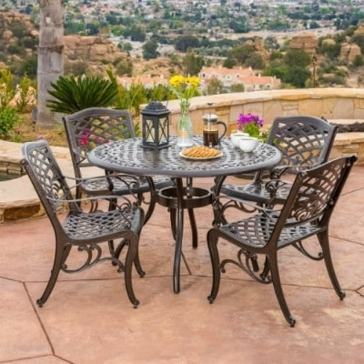 Fabulous Heavy Patio Set That Won ut Rust