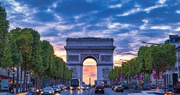 Folklore festival Paris