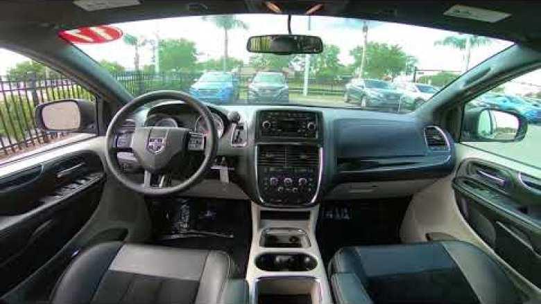 2017 Dodge Grand Caravan Sxt Interior At Mount Vernon 47620 In Bluedodge Com