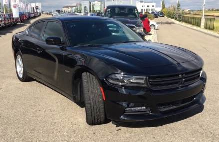 2016 Dodge Charger R/T  Heated Seats  Back-up Camera  UConnect  Capital Jeep Around Zip 31160 Atlanta GA