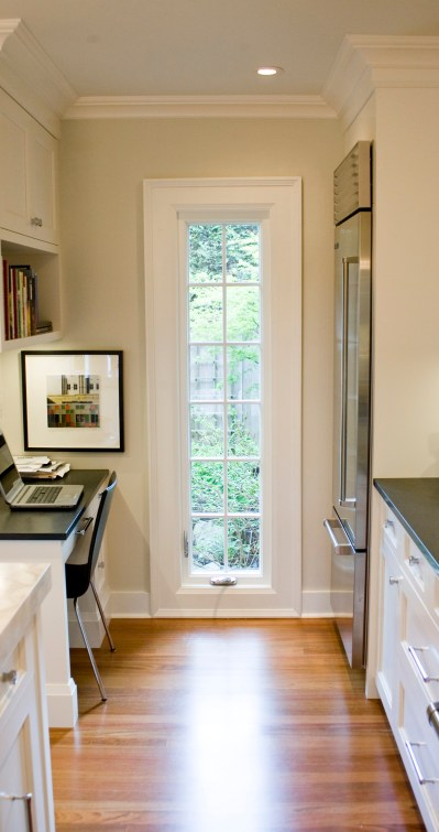 Denton-KITCH side window