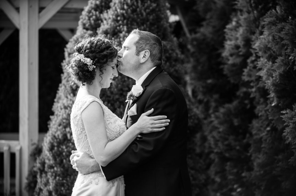 Emily and Steve | Quidnesset Wedding North Kingstown, RI | Blueflash Photography