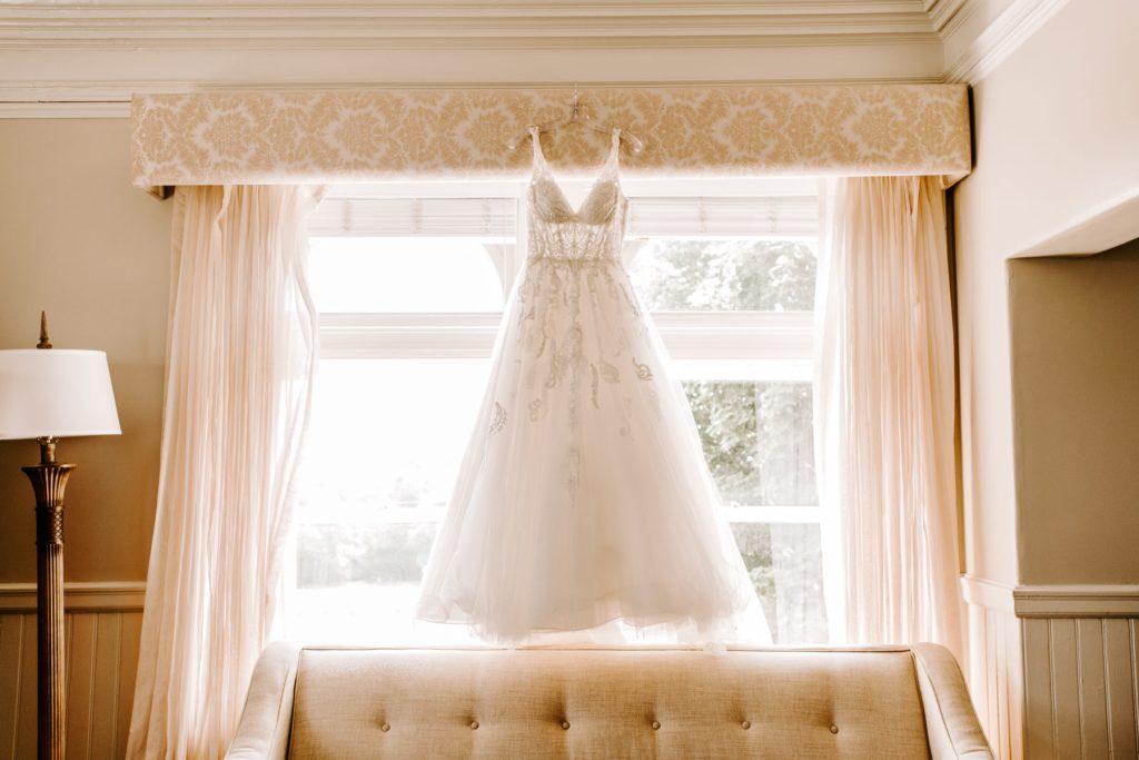 Ocean Cliff Newport Wedding Gena and Ricky Blueflash Photography1