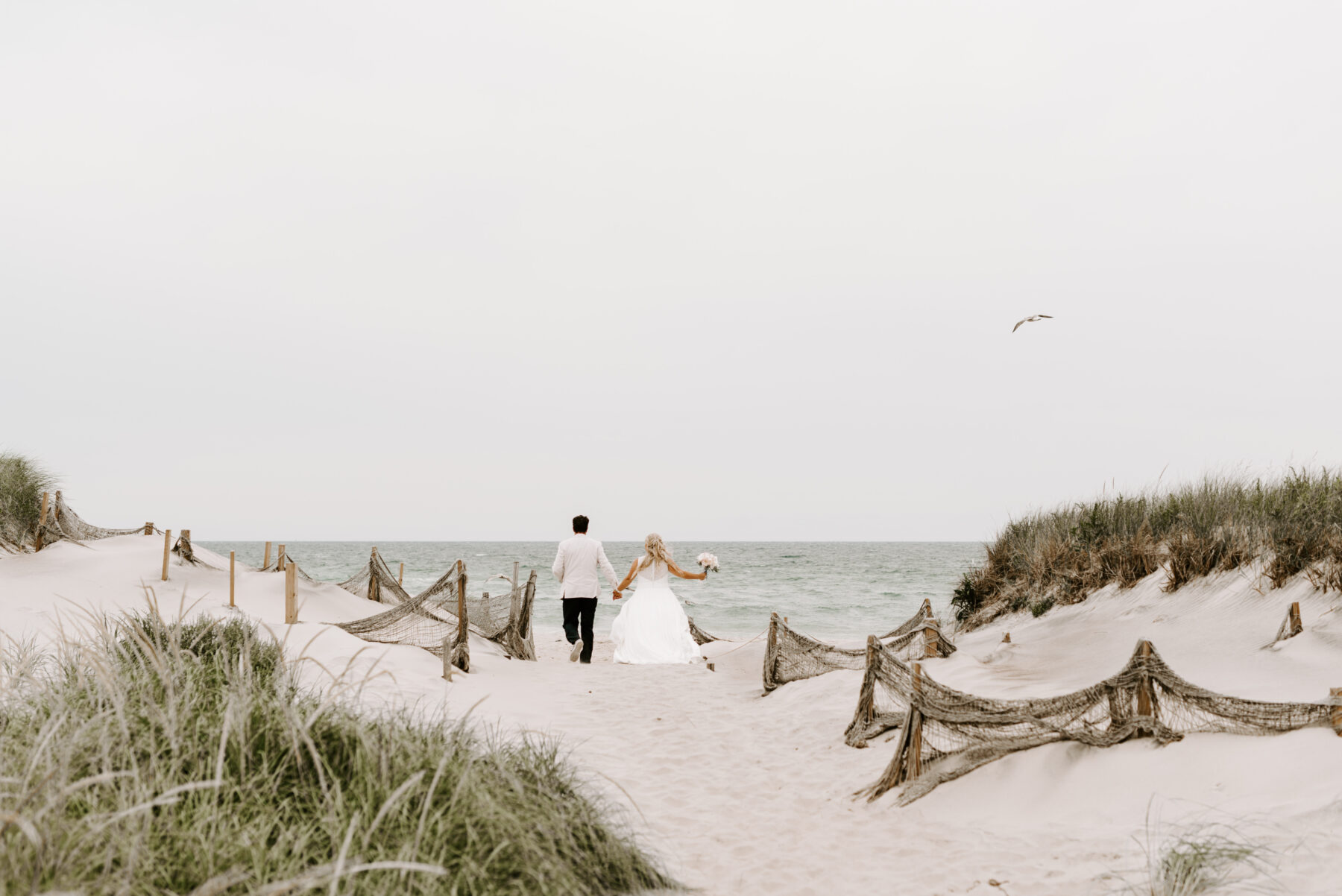 Sullivan House Block Island Wedding Amy and Nick Blueflash Photography 22