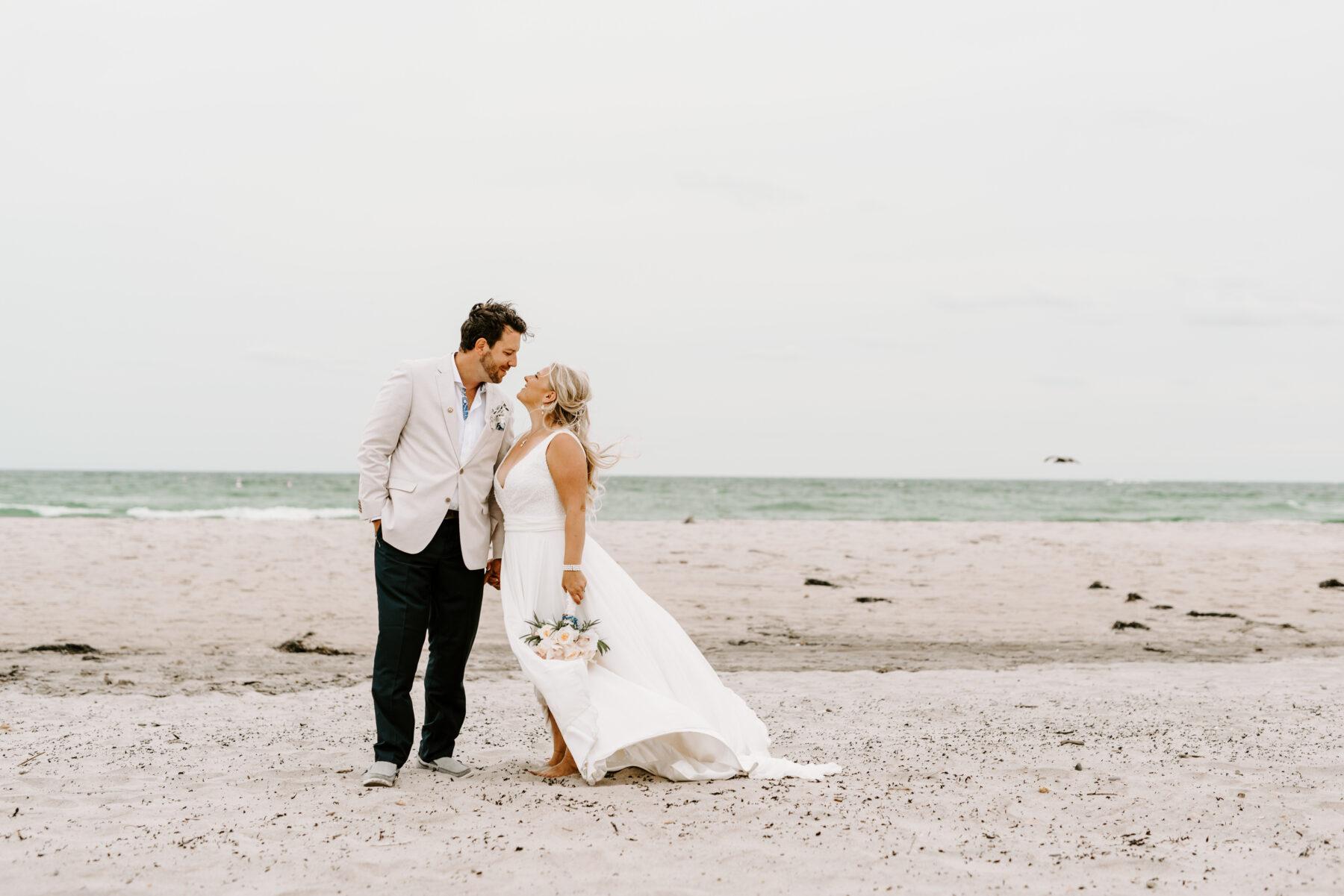 Sullivan House Block Island Wedding Amy and Nick Blueflash Photography 23