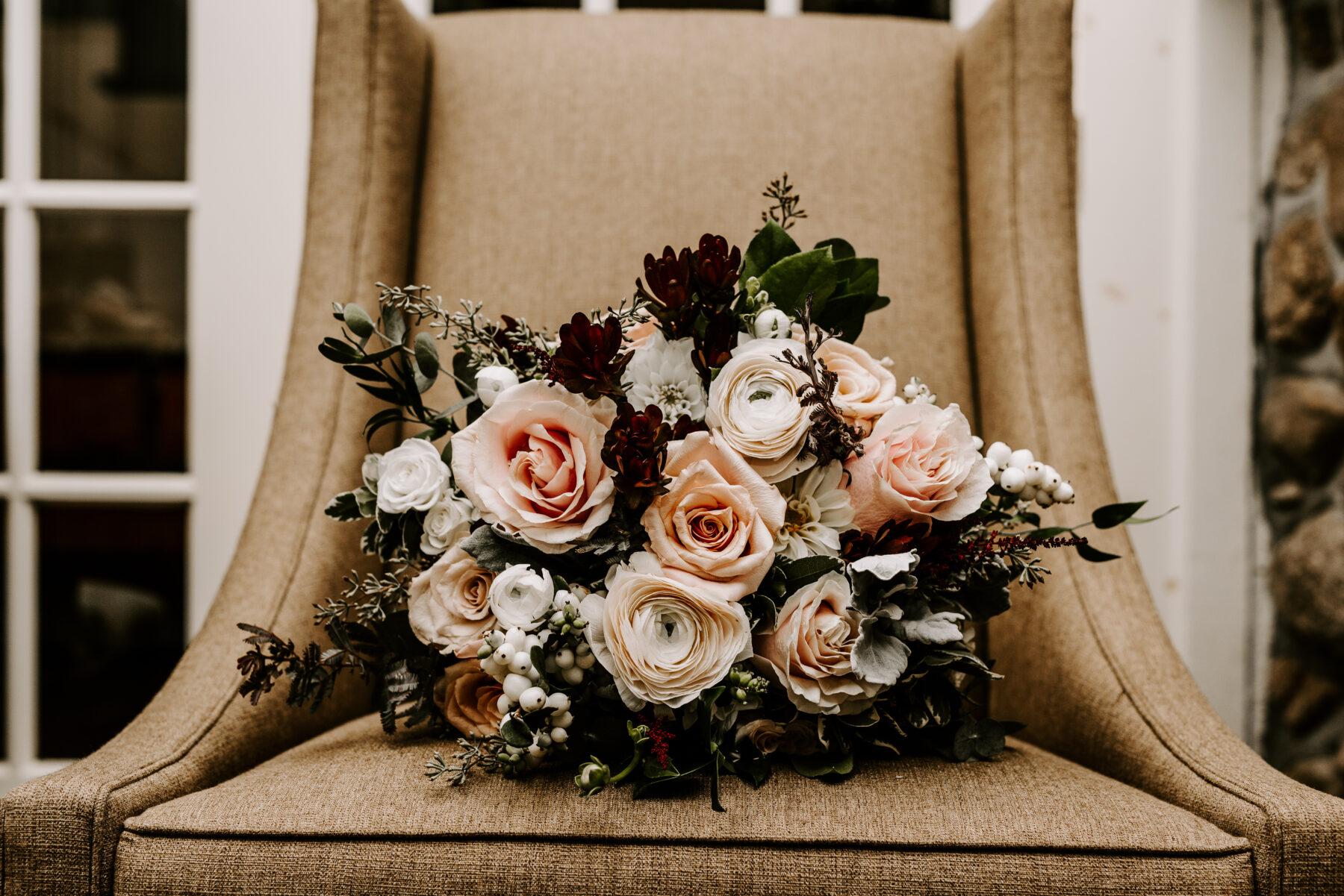 Spring House Block Island Wedding Abby and Lance Blueflash Photography 7