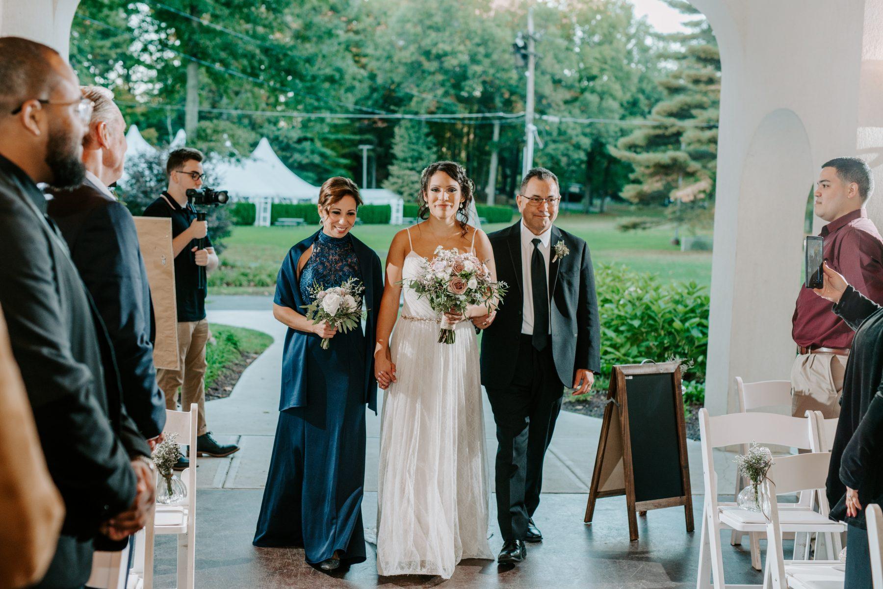 Lake Pearl Wrentham Wedding Olga and Caleb Blueflash Photography 18