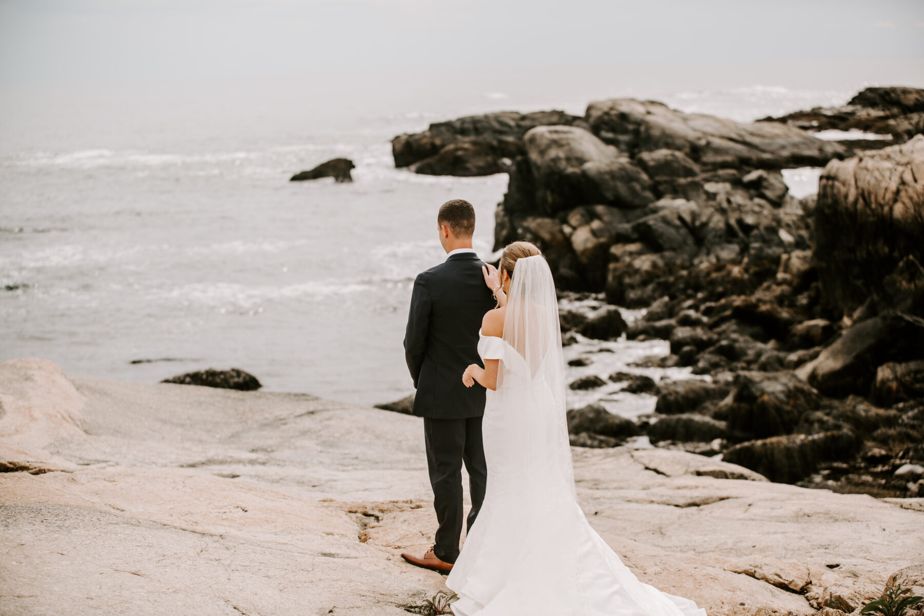 OceanCliff Newport Wedding Carley and Brian Blueflash Photography 7